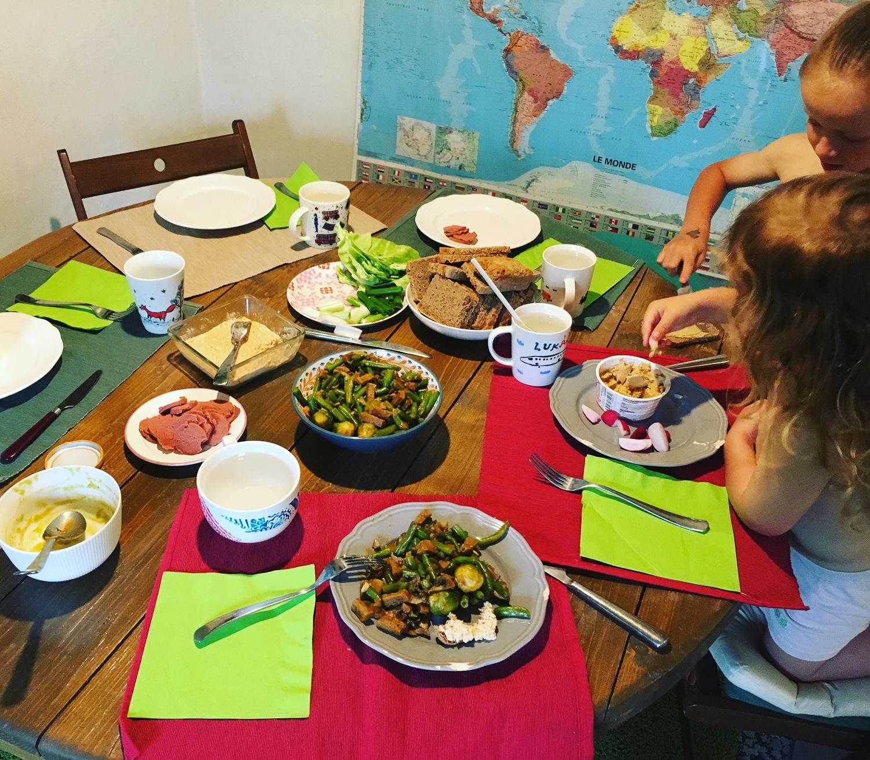 Spoločné stolovanie a čo je pre nás ešte dôležitejšie