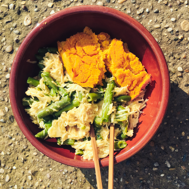 Zelerový šalát s fazuľovými lúskami a polentou