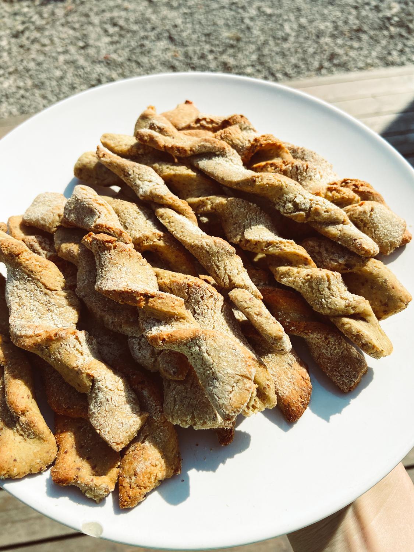Chrumkavé bezlepkové kváskové grissini (slané tyčinky)