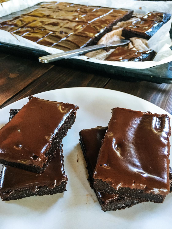 Cviklový brownies s čokoládovou polevou