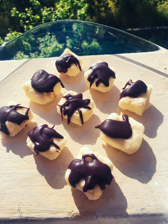 Kokosové kocky na štýl bounty, bez cukru, kokosového oleja
